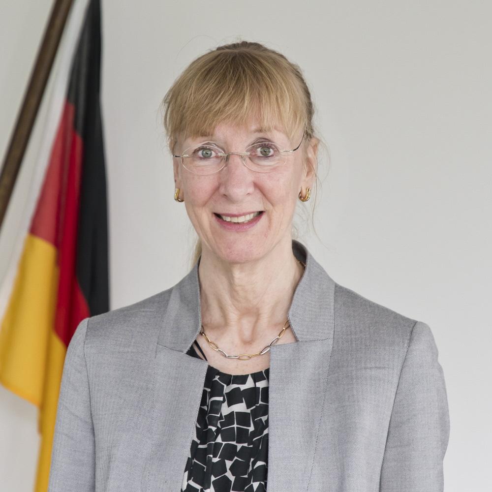 駐日ドイツ連邦共和国大使<br />イナ・レーペル大使